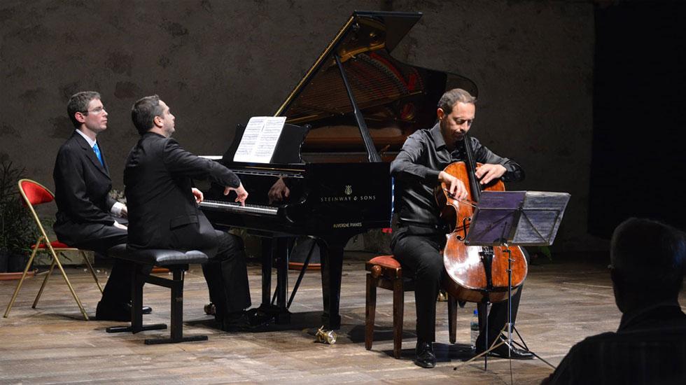 """Xavier Philipps, violoncelle et Igor Tchetuev, piano dans l'""""Âme Russe"""" © Guilhem Vicard"""