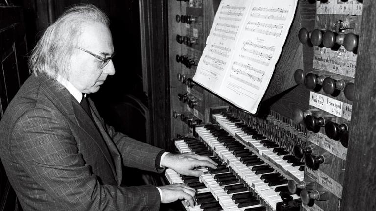 Michel Chapuis à l'orgue de Riepp de la collégiale de Dole © Le Progrès - 1988