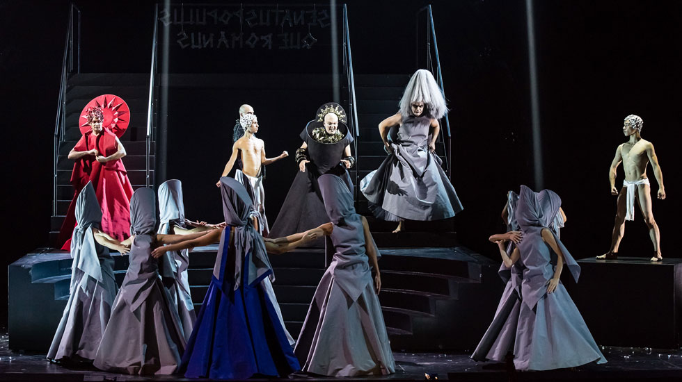 Emiliano Gonzalez Toro (Lenia) © Agathe Poupeney /Opéra national de Paris