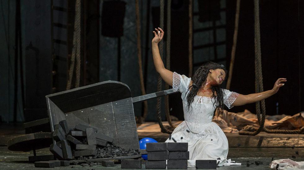 Pretty Yende (Lucia) dans les répétitions de Lucia di Lammermoor