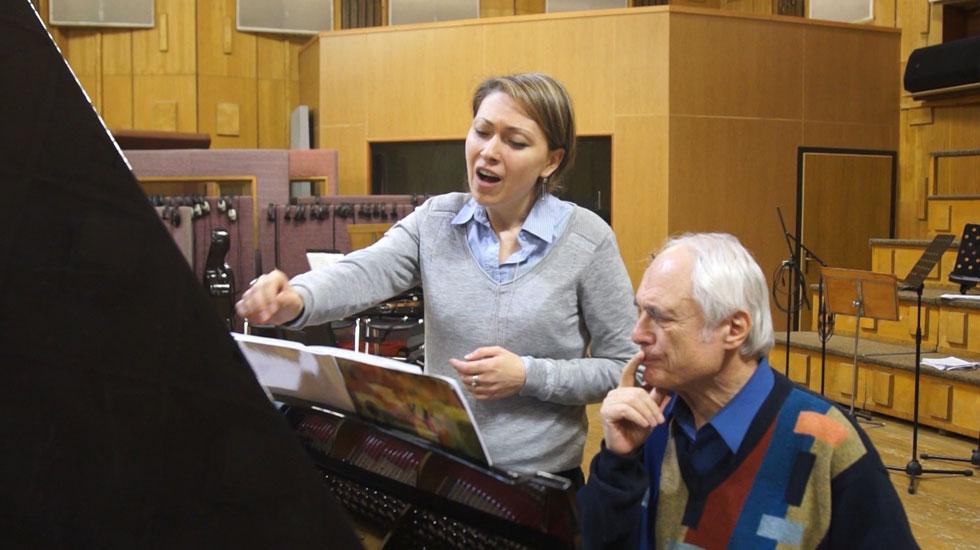 "Mariam Sarkissian et Tigran Mansurian pendant l'enregistrement de ""Tigran Mansurian, songs and Instrumental music"" (Brilliant Classics) © DR"
