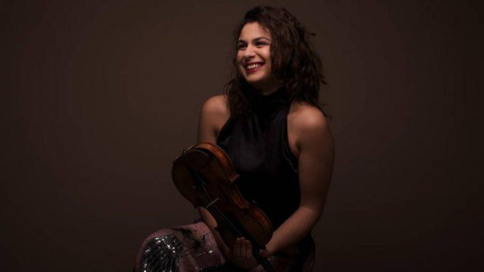 La violoniste Sarah Nemtanu pour le concert Camille Saint-Saens © Yann-Artus Bertrand