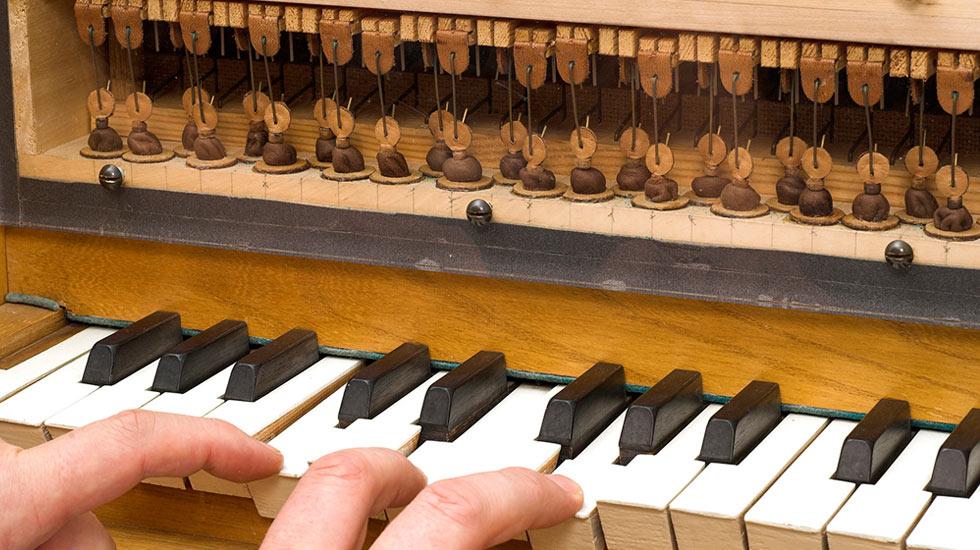 Détail de la transmission mécanique dans un petit orgue © Ansgar Hoffmann, Schlangen / Orgelmuseum Borgentreich