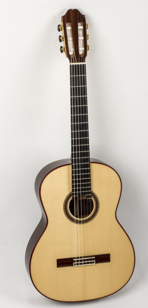 Eastman Classical Guitar Review CL81S nylon guitar body