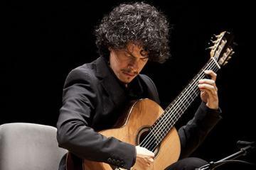classical guitarist ali arango