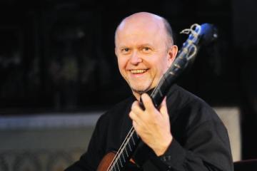 classical guitarist Pavel Steidl