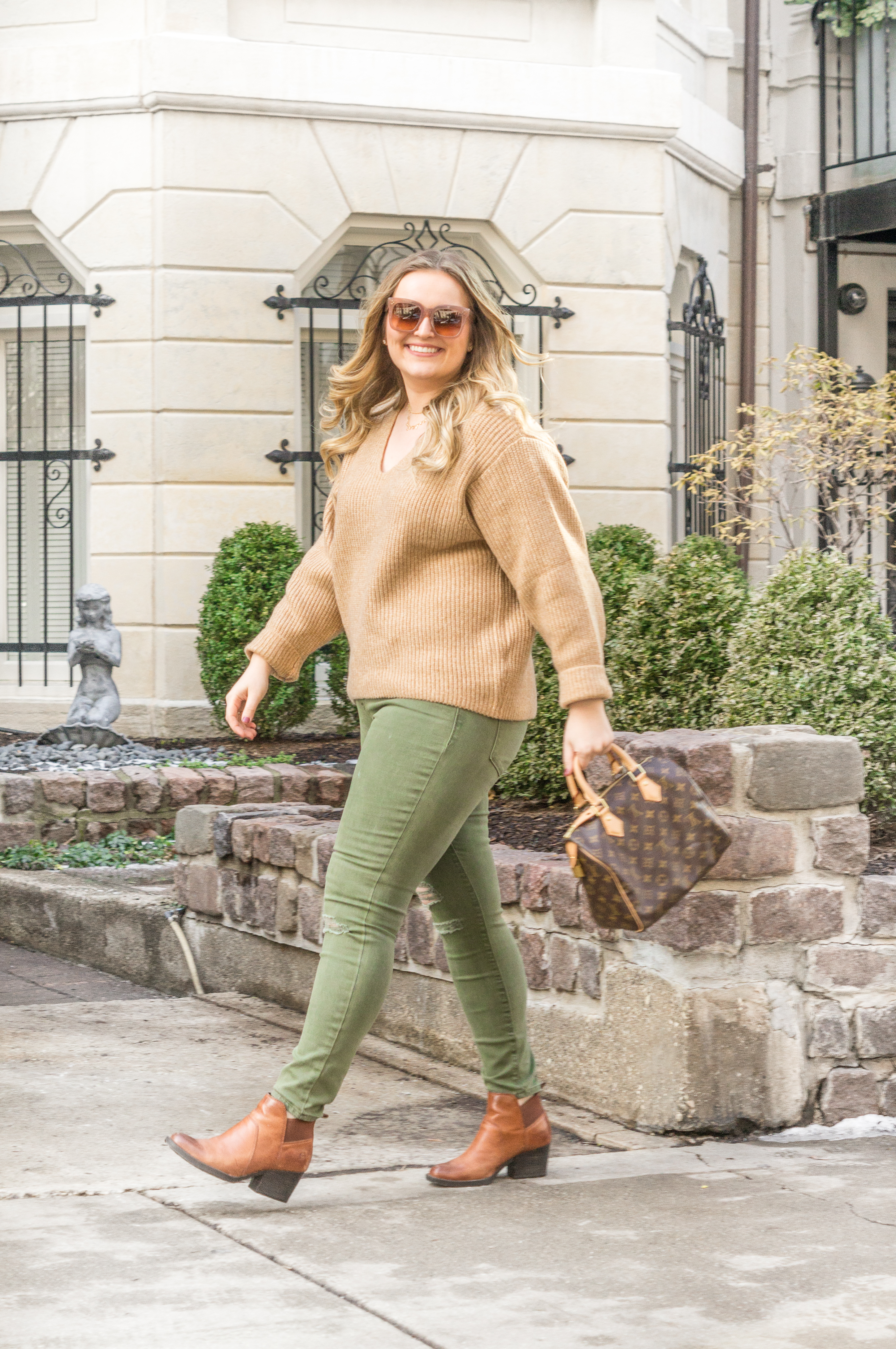 affordable winter outfit - jeans and sweater