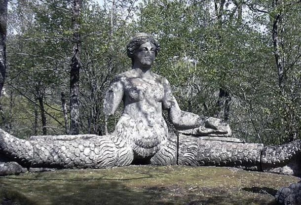 Statue of Echidna
