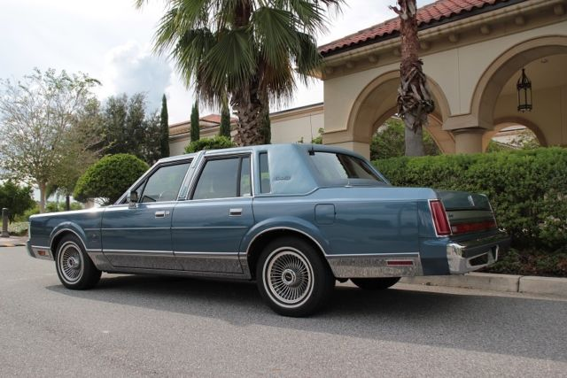 1988 Lincoln Town Car Limo