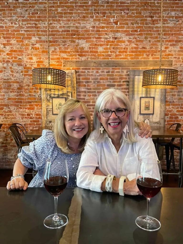 Farmer's Union Pour House Mary Ann and Cindy