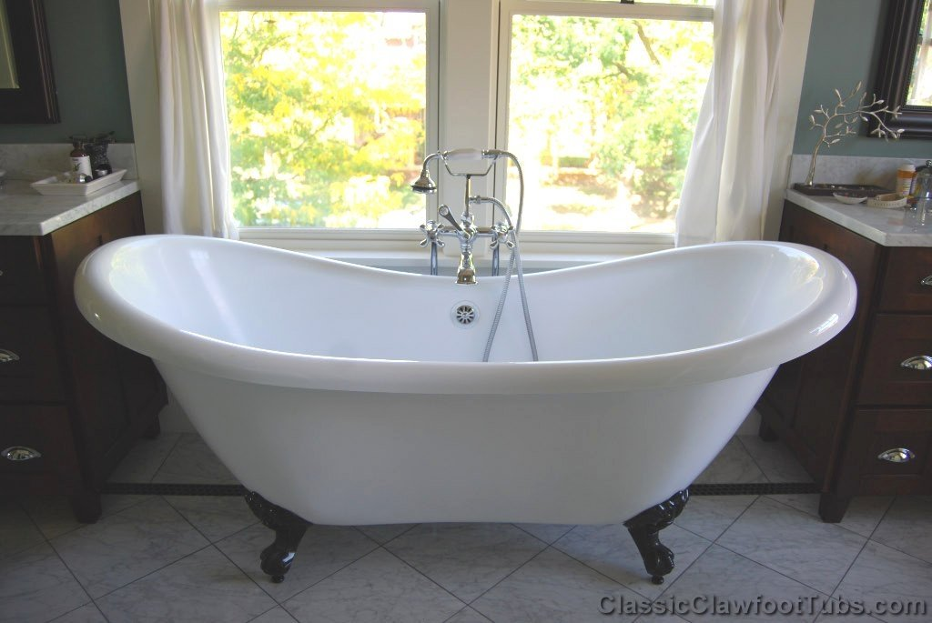 "69"" Acrylic Double Ended Slipper Clawfoot Tub"