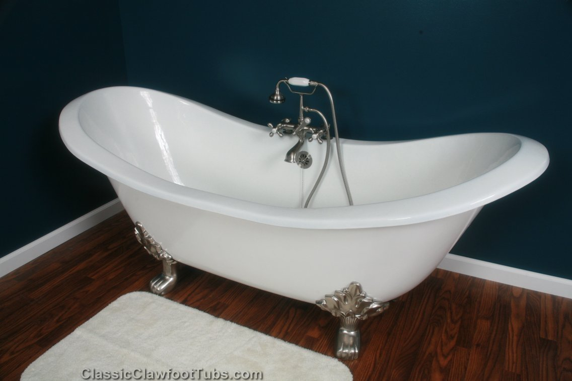 "71"" Cast Iron Double Ended Slipper Clawfoot Tub W/Lions"