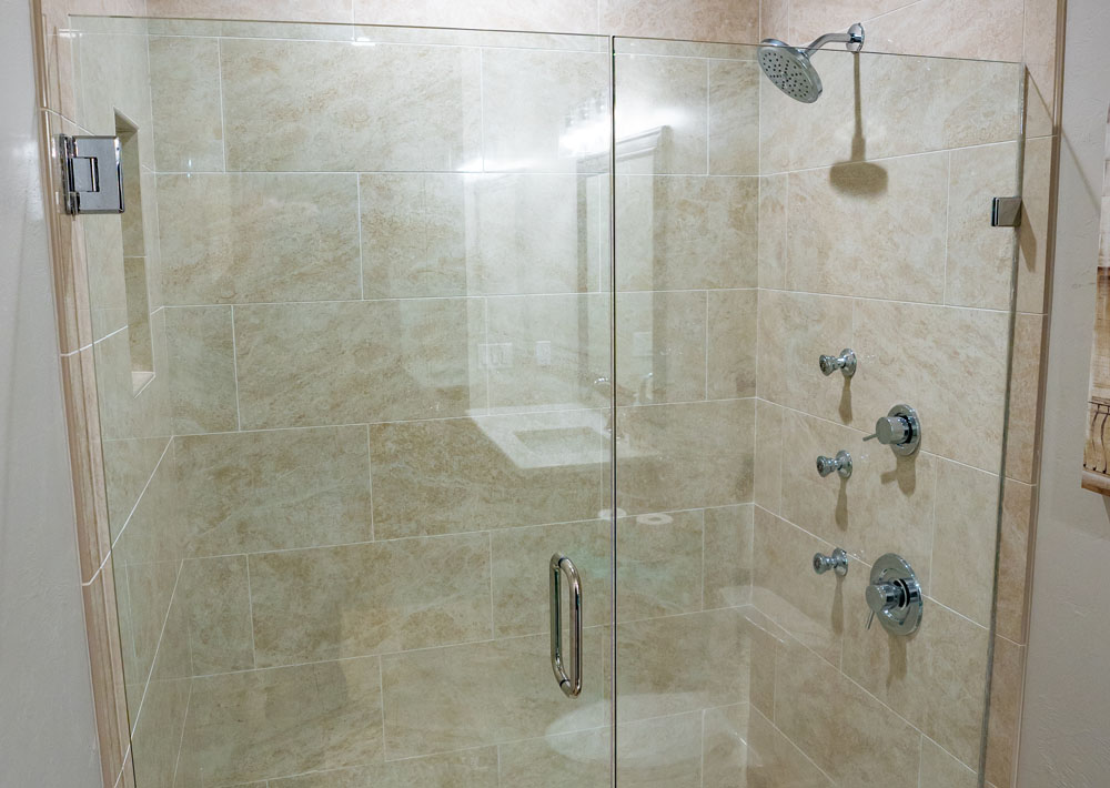 https://i2.wp.com/classicmarbledesign.com/wp-content/uploads/2019/02/classic-marble-design-bathrooms-shower-doors-1.jpg?fit=1000%2C710&ssl=1
