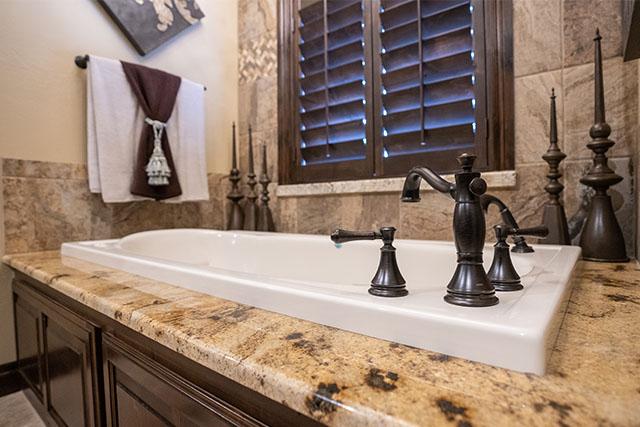 classic-marble-design-home-bathroom-3