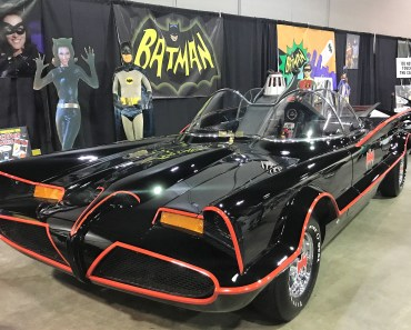 Eternal Com Batmobile