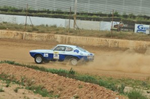 David and Sarah Rayner on the Broken Hill Speedway
