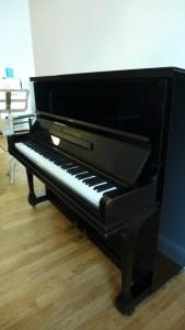 Klavier Grotrian 120 von Seite