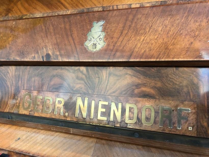 Schriftzug und Logo Klavier Niendorf