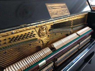 piano_niendorf_secondhand