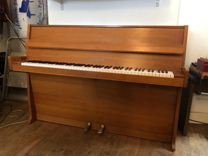 Klavier Grotrian 100