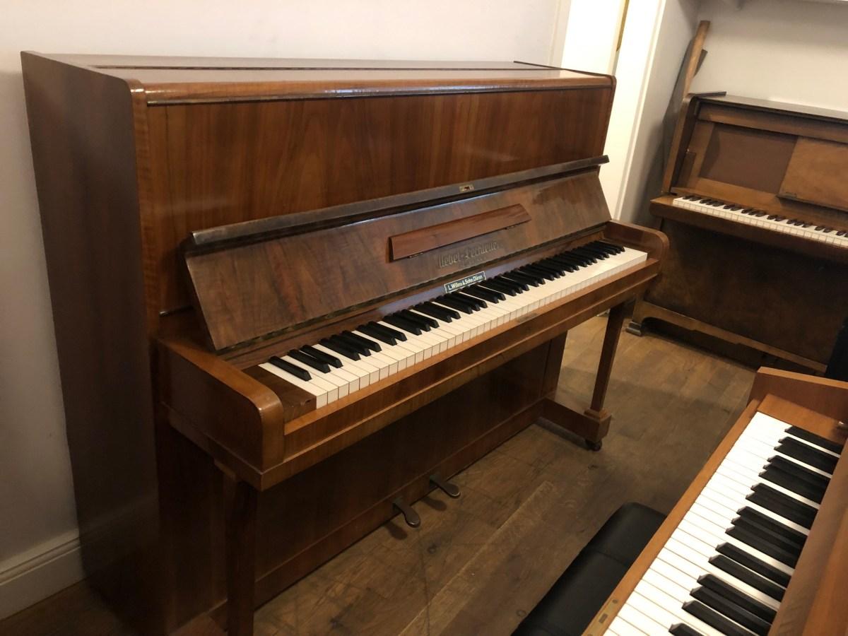 Klavier Uebel und Lechleiter