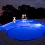 Какой бассейн устанавливать у себя дома с светом?