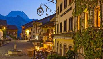 Classic Travelling Swiss Alps Tour - Gruyeres