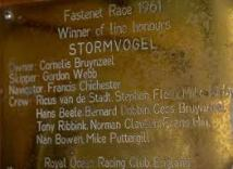 Stormovogel plaque