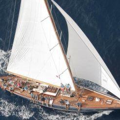 Zinita sail