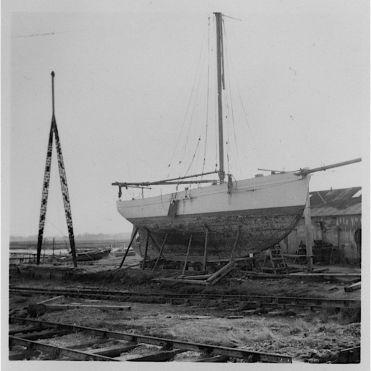 Tally-Ho-alongside1938