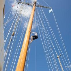 Elena rig climb ©ClaireMatches