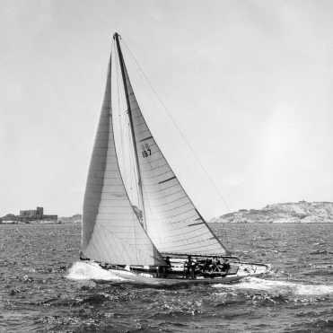 Briseus sailing in 1964