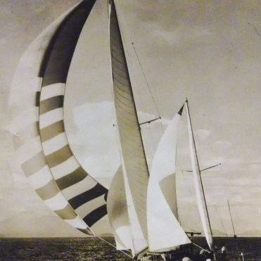 The father of Guinther Muller on the arrival of the Buenos Aires regatta to Rio in 1959