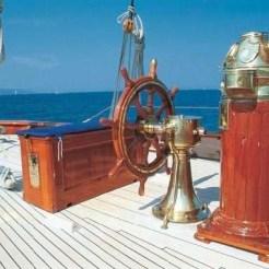 Thendara-helm-compass-binacle