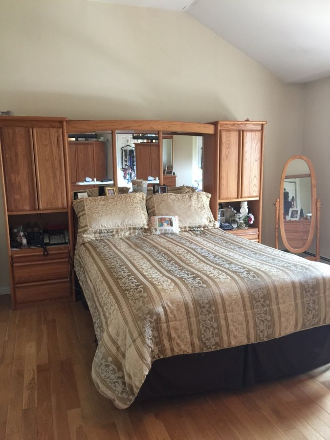 Solid Oak Queen Bedroom Set New York 11757 Lindenhurst
