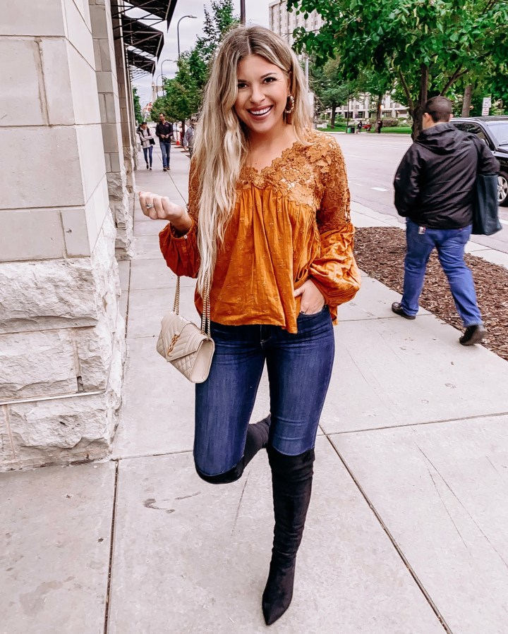 September's hot list! | Style blogger Emerson Hannon of Classycleanchic shares September's hot list!