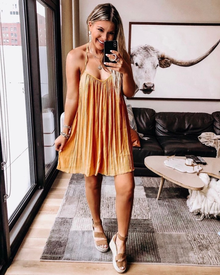 Best Summer Wedges | Style blogger Emerson Hannon of Classycleanchic shares Best Summer Wedges