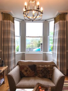 bay windows_Curtains_check_01