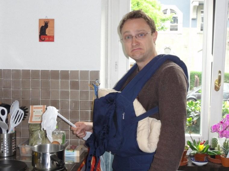 Papi übt sich als Lümpli-Koch. Keine Angst, wir verwenden keine Stoffwindeln! ;-)