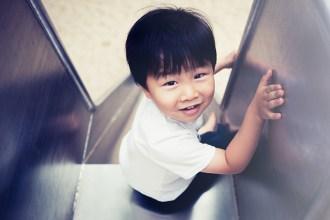 Fotograf, Fotografin, Düsseldorf, Kinderfotos, Lebendig, authentisch, Family Pictures, Chinese, Junge, Claudia Zurlo Photography