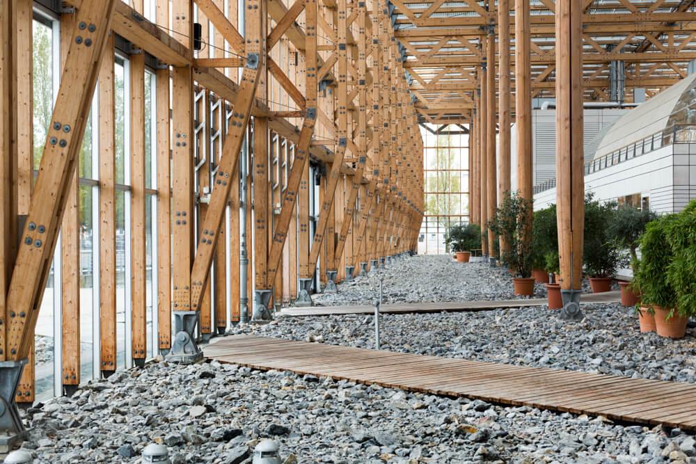 Mont-Cenis, Imagefotos, Architekturfotografie, Holzpfeiler, Innenaufnahme