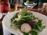 o prato do dia acompanha saladinha