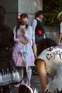 Attendant son prince, «cosplay» à la station Harajuku (Tokyo)