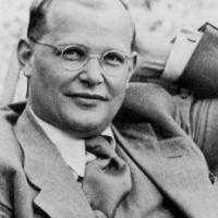 Dietrich Bonhoeffer (4 febbraio 1906 • 9 aprile 1945)