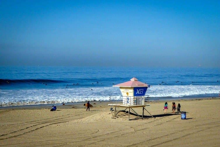 Abundant surf, sun-soaked beaches, and world-class theme parks draw visitors year-round to Orange County, California. Explore family fun in the sun in Orange County with kids.