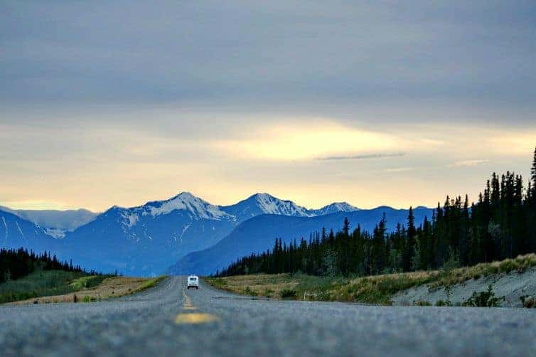 Road trips are wonderful ways to see the world and make family travel memories. How to survive a road trip with your kids. (thetravellingmom.ca)