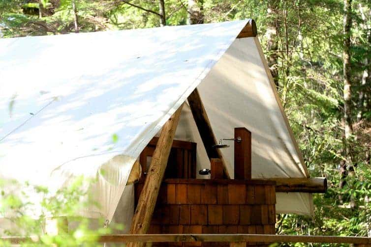 Been there and done that? Welcome to the ultimate in wild luxury glamping experiences await at Clayoquot Wilderness Resort in Tofino, Canada.