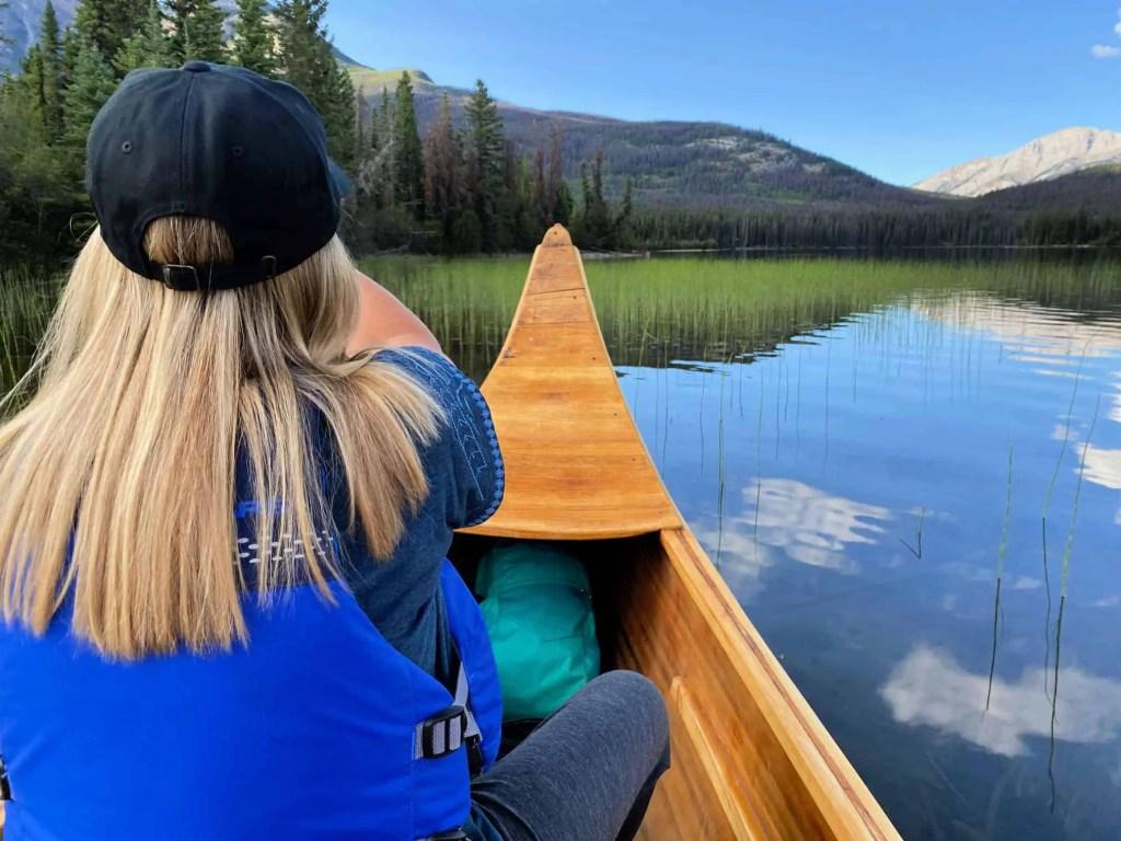 lady canoeing on pyramid lake