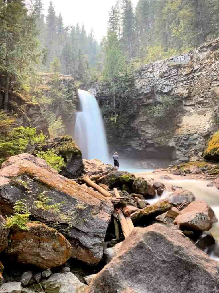 sutherland falls in revelstoke in summer