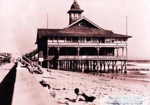 Bathhouse at Alamitos Bay, c1903.